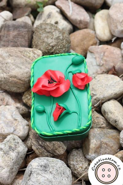 DIY Poppy treasure box